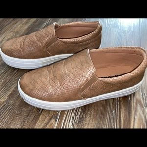 Shoes - Outwood's Slip On Sneaker